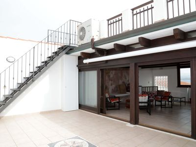 Photo for Delightful apartment just 10 meters from the sea