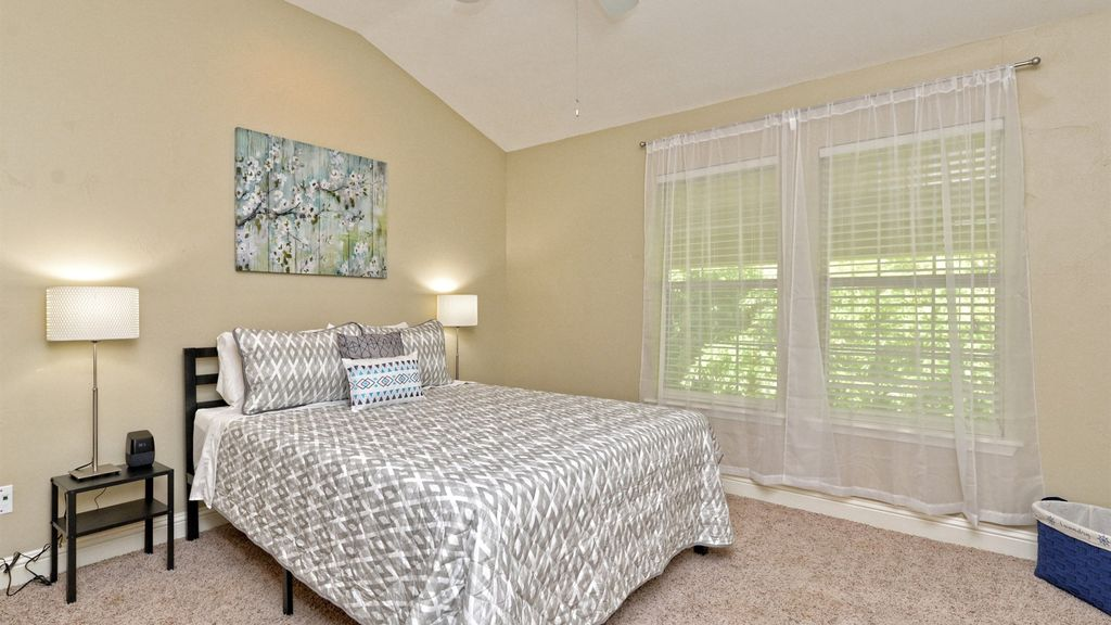 Luxurious comfort in South Austin townhouse