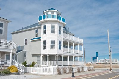 MANSION ON THE BEACH, 4 BR, 3.5 BA, Sleeps up to 19, 4th Floor Lighthouse, WOW!