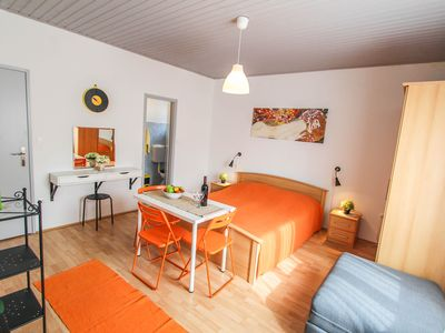 "Photo for Apartment ""Orange"" with spacious double bedroom (double bed and auxiliary bed)"