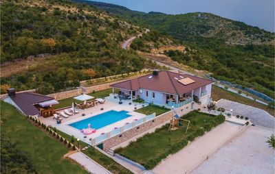 Photo for 5BR House Vacation Rental in Glavina Donja