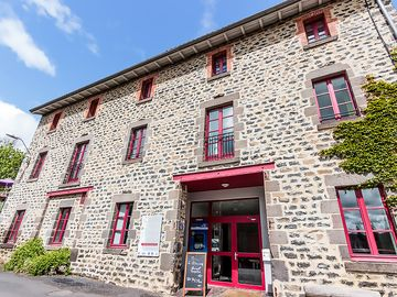 Gite for 47 people in Saint Privat d'Allier 43, on Saint James' Way