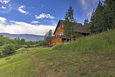 Eescape to this peaceful Kremmling vacation rental cabin!