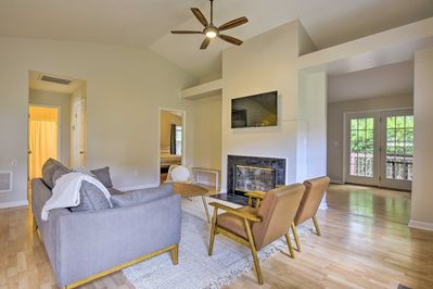 This home offers 2 bedrooms and 2 baths.