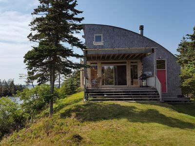 Bay Bluff Cottage is set on a bluff overlooking Eel Bay