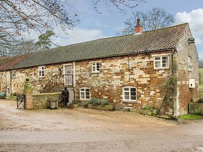 Photo for CROXTON LODGE AND CURLEWS NEST, pet friendly in Belvoir, Ref 946562