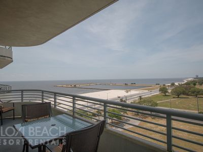 Updated Condo w/ Great Views, WiFi, Balcony & Pool House Access