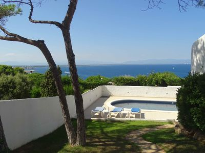 Photo for Magnificent Villa with private pool in front of the sea 5 minutes from the beach