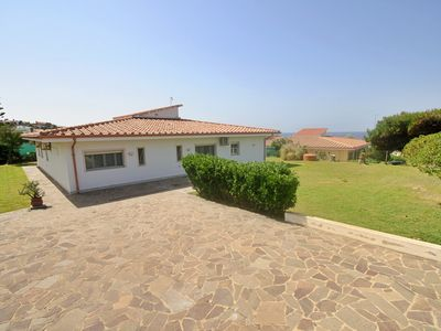 Photo for Front sea villa next to the beach, 5 min from town, shops, restaurant