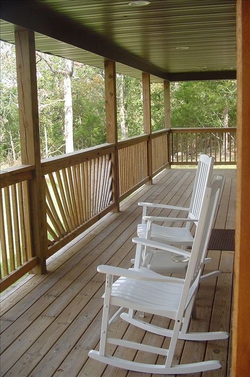 Beautiful cabin 5 minutes from silver dollar city indian for Cabins near silver dollar city