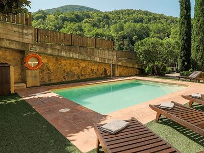 Photo for Luxury holiday in rural house with pool and garden