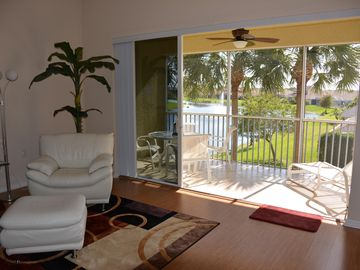 "Apartment ""Dream Calusa"", central, 10 minutes to the beach"
