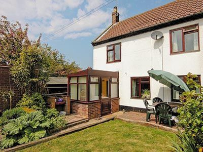Photo for 2 bedroom property in Winterton-on-Sea. Pet friendly.