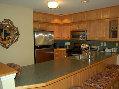 Photo for 3 bedroom Winterplace condo, Walk to the trail, Sleeps 8