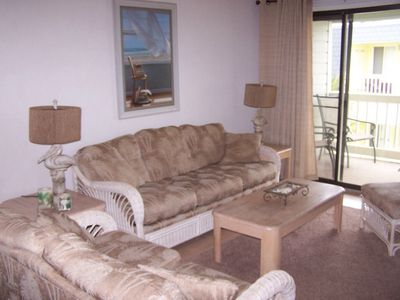 Photo for Fantastic Oceanside condo 2bd/2ba free high speed wifi 307b great location