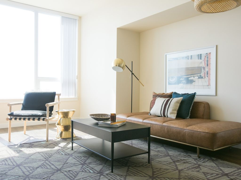 Contemporary 2BR in Downtown San Diego by Sonder, California Hotels ...