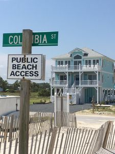 East End Paradise is literally across the street (20 steps!) from beach access.