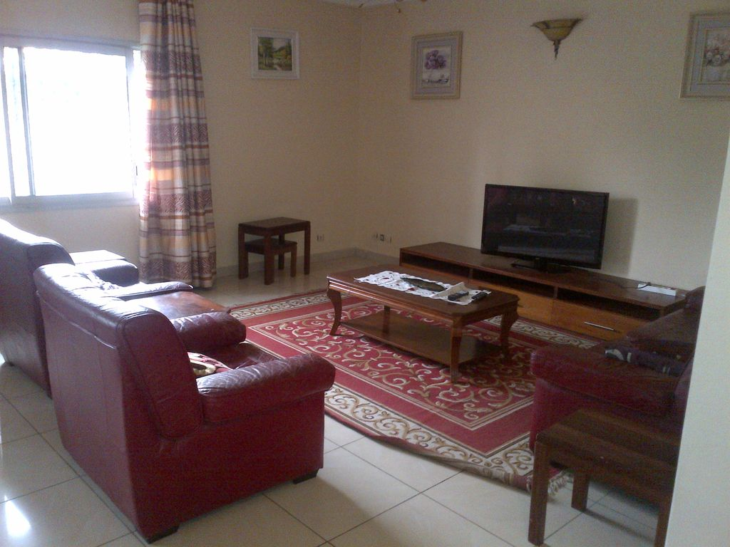 Furnished apartment douala bonamoussadi 8405626 for Appartement meuble a douala