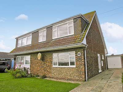 Photo for 3 bedroom property in Selsey. Pet friendly.