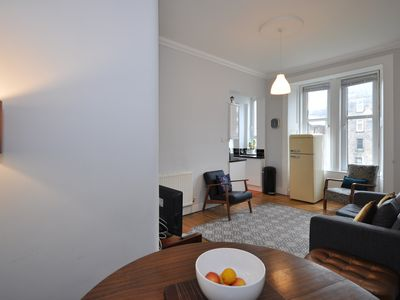 Photo for Bright 2 bedroom flat in Glasgow's West End