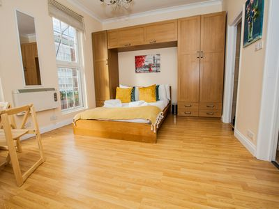 Photo for 3 Guests Marylebone 1st floor Studio Apartment, kitchen and bathroom , 3 guests