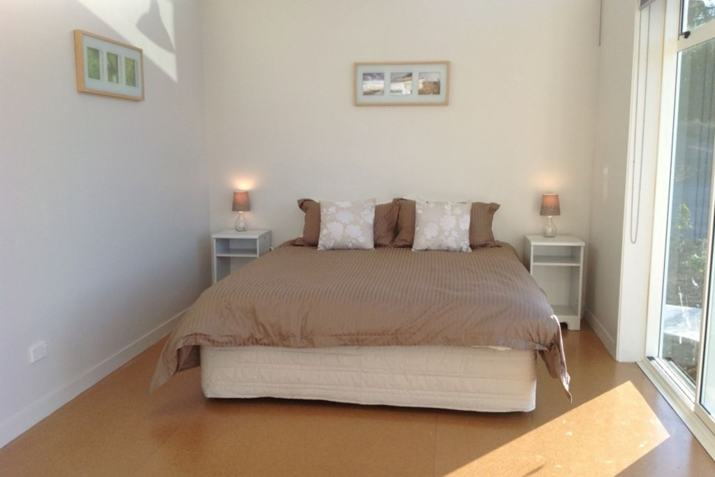 Peaceful accommodation in Paroa Bay