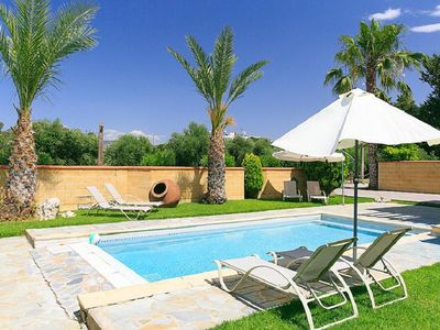 Photo for 3 Bbr Villa with private pool steps from the beach