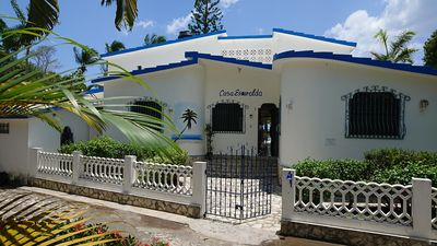 Photo for Partly air-conditioned holiday home with direct access to the Caribbean beach!