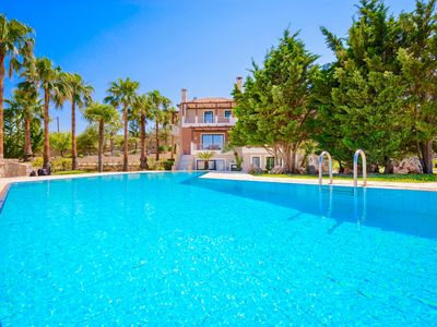 Photo for Luxury Villa Kissos with private swimming pool