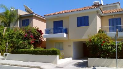 Photo for Quality house overlooking pool with roof terrace. Free Air-con, WiFi & Cable TV.