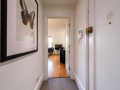 Photo for One Bedroom Luxury Apartment in Sloane Square, Chelsea - DP10