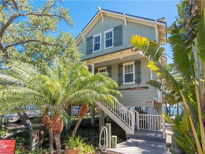 Photo for Bay-front home with sweet fall savings! Reserve today at Waters Edge Cottage!