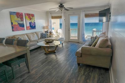 Fabulous ocean view in your living and dining room!!