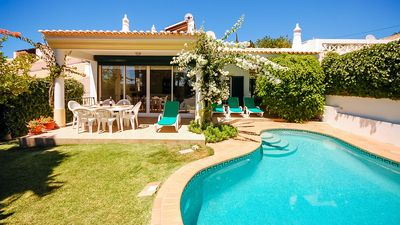 Photo for Cosy villa, private pool, garden, games room,AC, free WiFi, short drive to beach