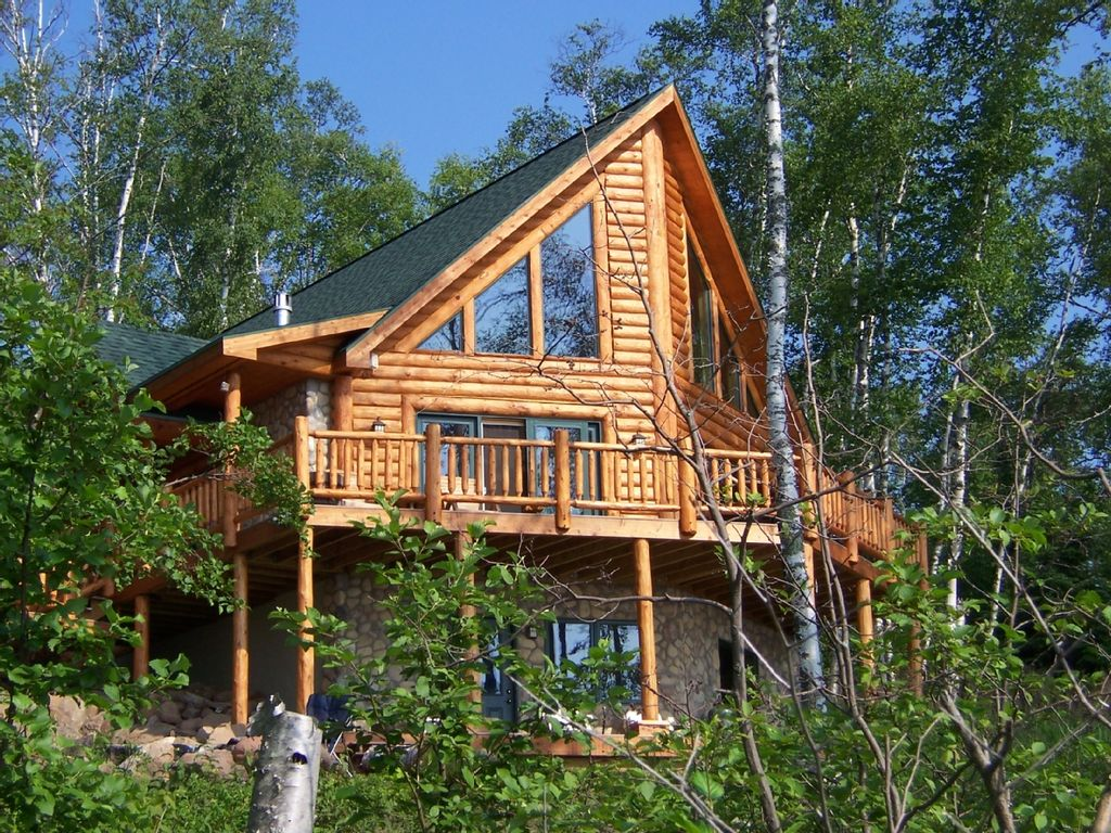 Executive Log Home Lake Superior Spectacular Views Wifi