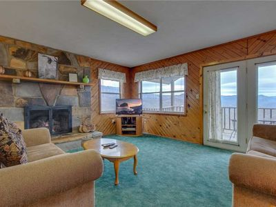 Photo for Crestview, 2 Bedrooms, Mountain View, WiFi, Hot Tub, Sleeps 4