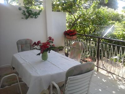 Photo for Two bedroom apartment with terrace Seget Donji (Trogir)