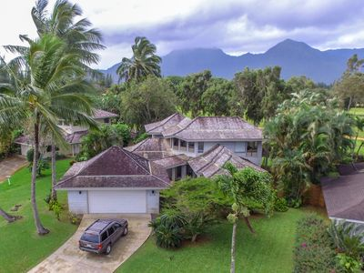 Lovely Princeville home! Walk to golf, tennis and North Shore Shuttle stop!