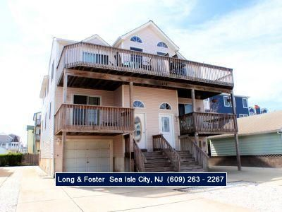 Photo for Central air, garage and off street parking.Free internet Close to beach, promenade, shopping and recreation.