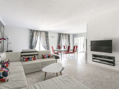 Photo for Large Luxurious Flat Air Conditioned - Full Center - Air Rental