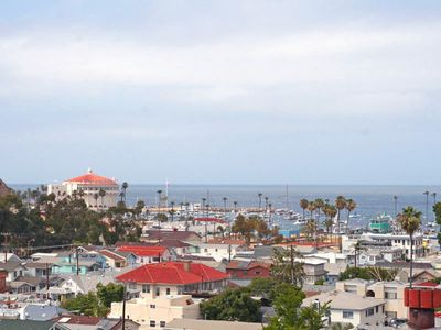 Photo for Comfortable Condo, Balconies with Ocean Views, Common Pool and Jacuzzi