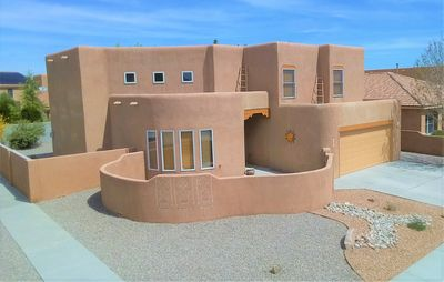 Photo for Zia Azul - 3 bedroom home 1 mile from Petroglyph National Monument