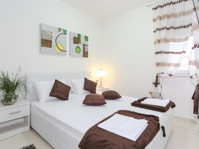 Photo for Studio flat with air-conditioning Tribunj, Vodice (AS-15233-a)