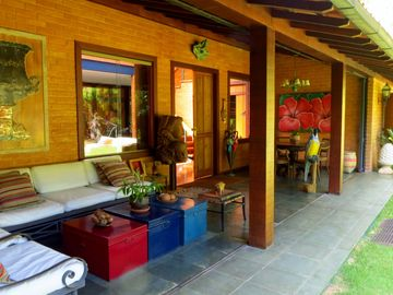 Itaipava - House very cozy and full of bossa. Refinement in the middle of the forest