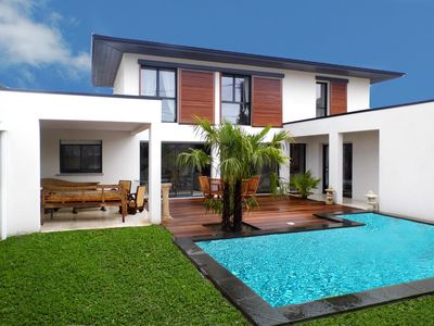 Photo for spacious villa architect new, bright, high teak, lounge, pool,