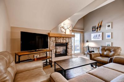46-inch TV, gas fireplace