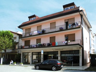 Photo for 2 bedroom Apartment, sleeps 4 in Lido di Jesolo with Air Con