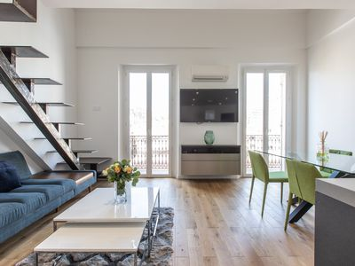 Photo for Beautiful 2-bed Loft Steps to Palais & Beaches!