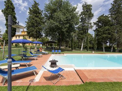 Photo for Villa Fratta sleeps 10 with private pool, Wi-Fi and A/C. Only 10 km to Cortona!