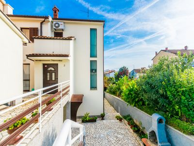 Photo for Comfortable apartment PUH with built barbecue in Pula